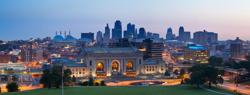Best Cities for Cat Lovers & Adventure Cats: Kansas City, MO